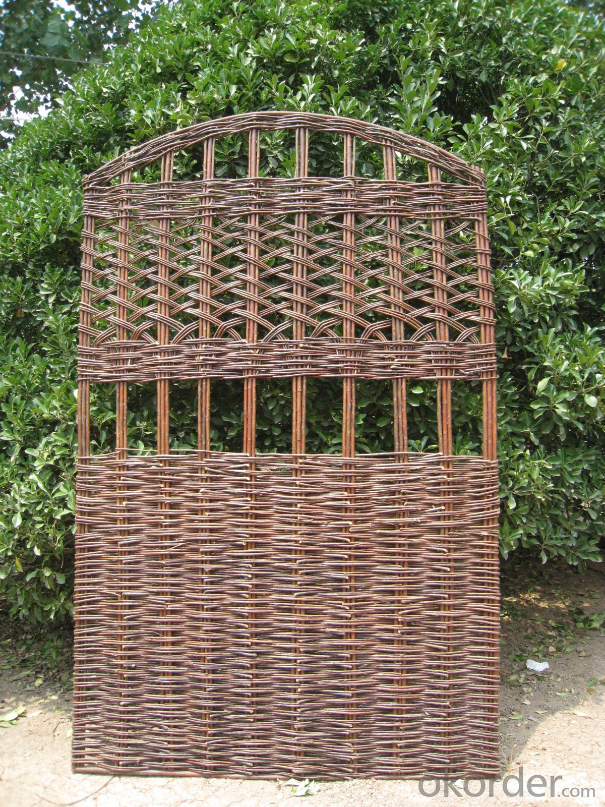WILLOW NATURAL GARDEN TRELLIS DECORATING SCREEN