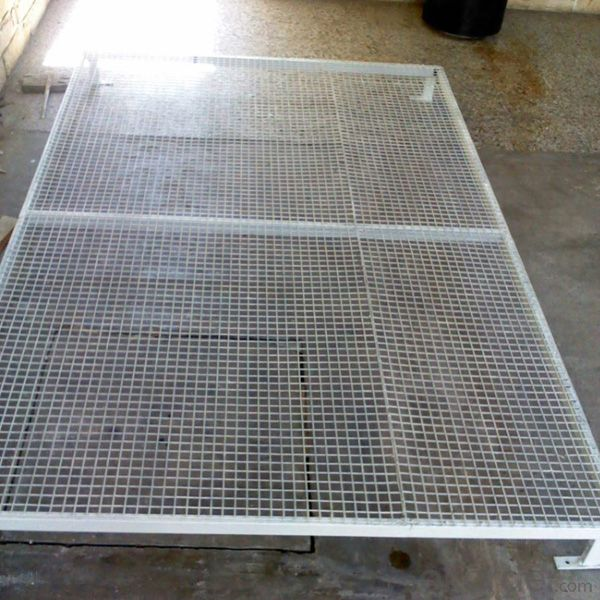 Crimped wire screen for Mine