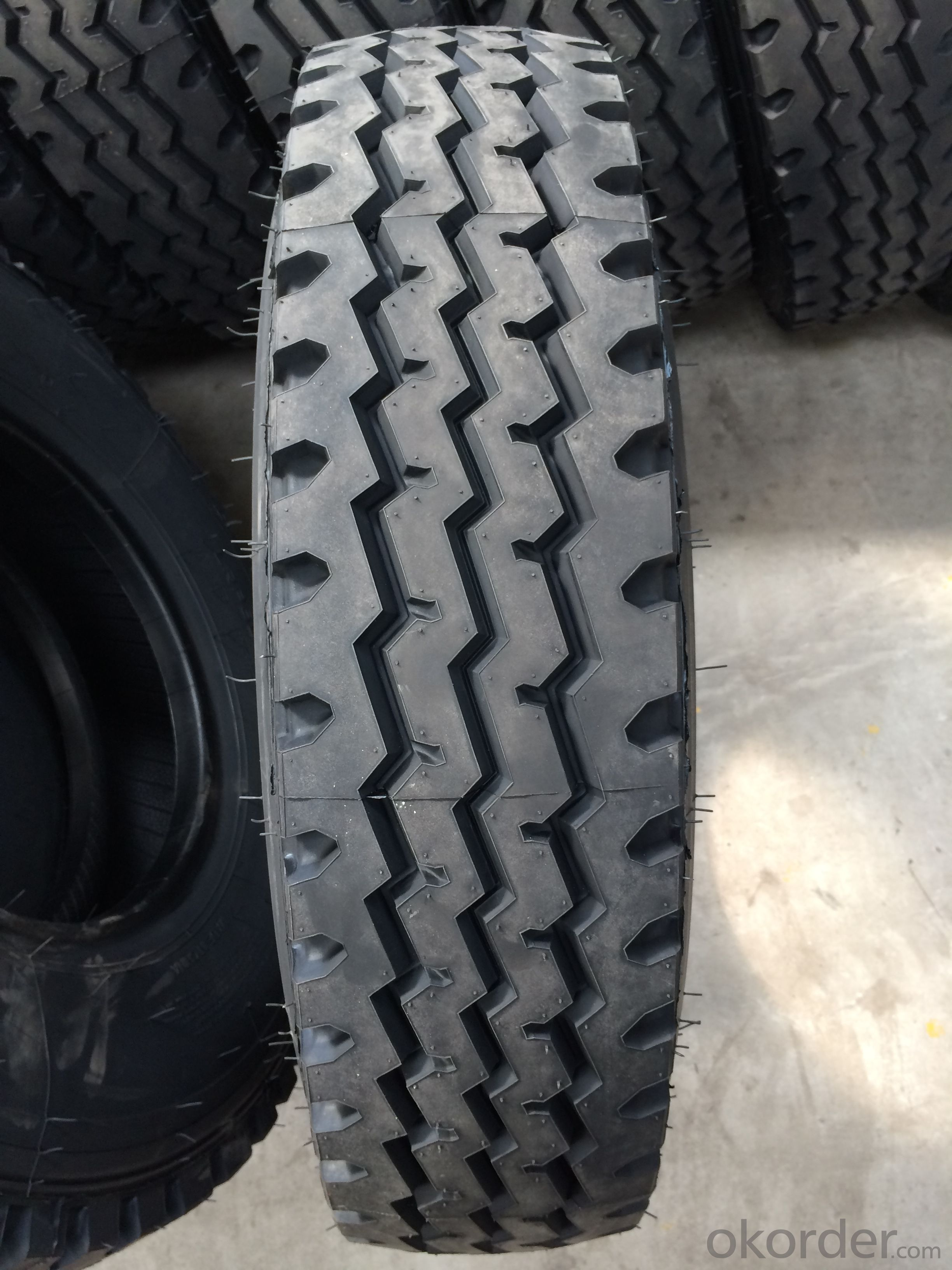 Radial Tyre of Truck and Bus 900R20 LRP602