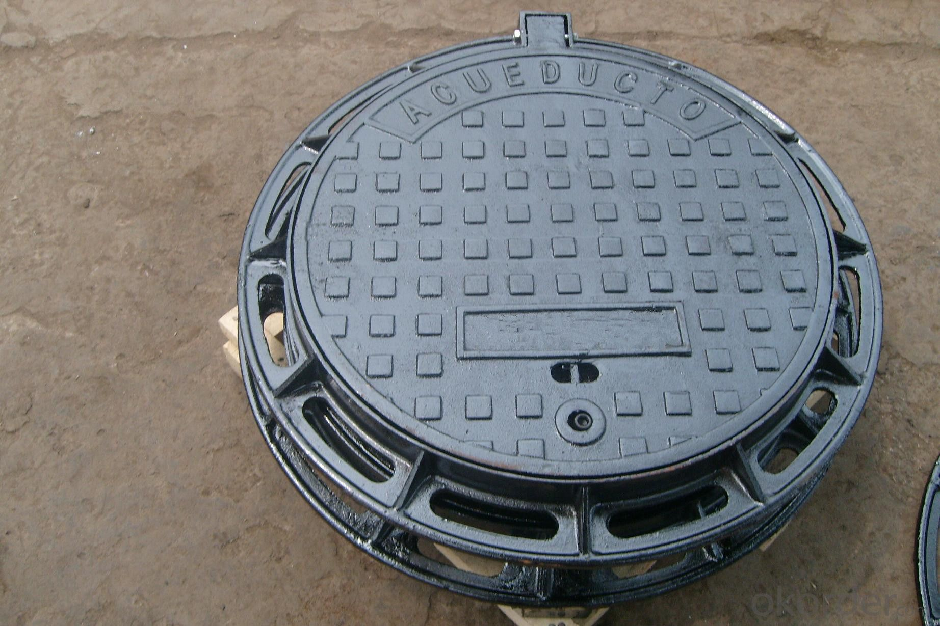 Light cast iron manhole covers