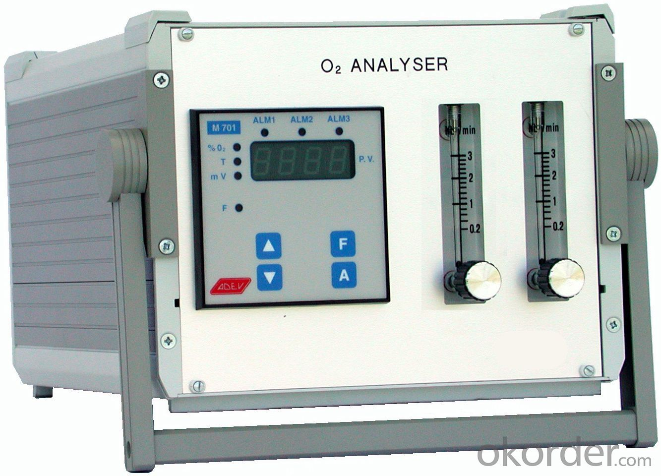 Portable pumping O2 Oxygen Gas Analyzer