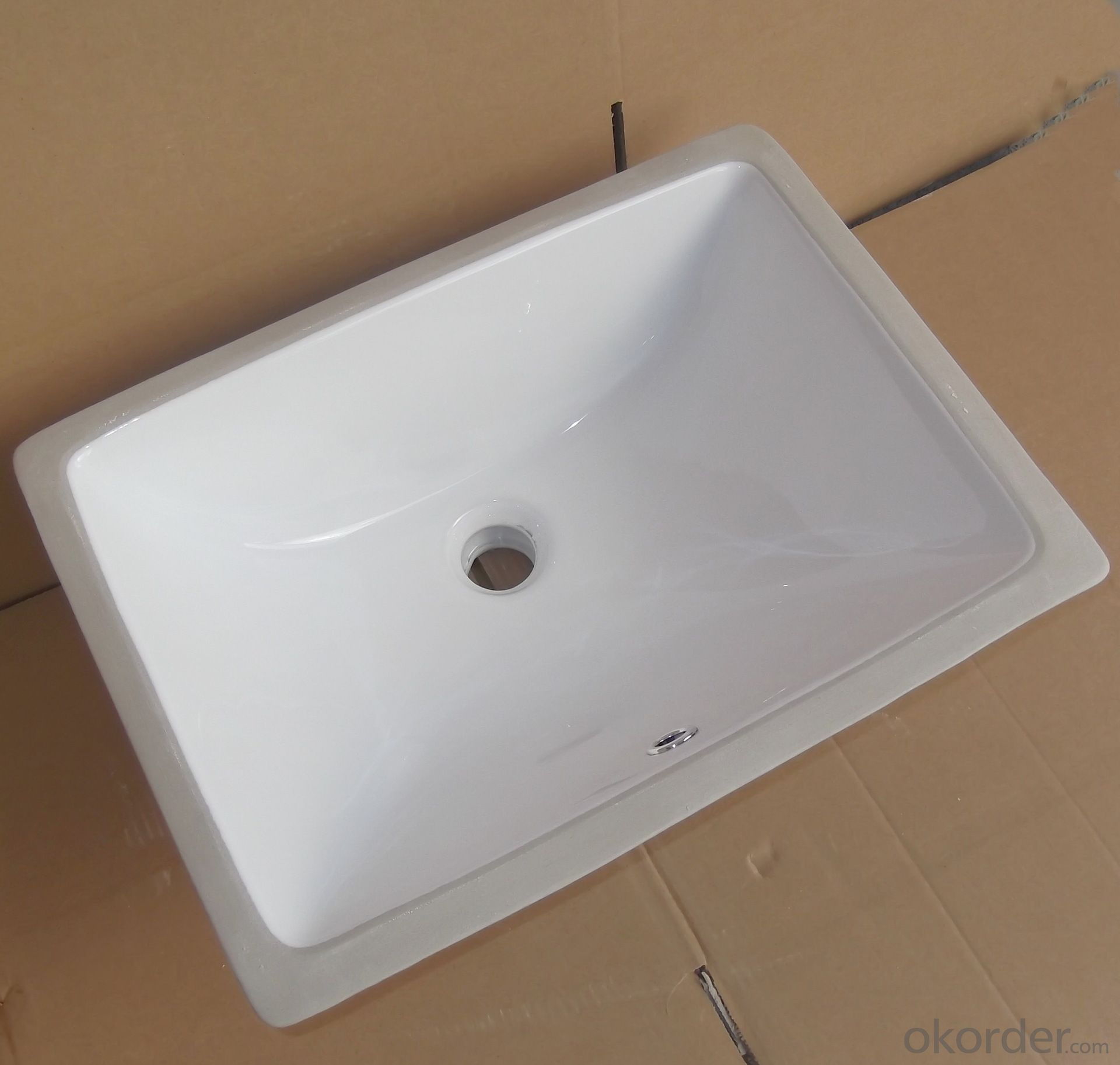 Square white ceramic basin audience 18-inch