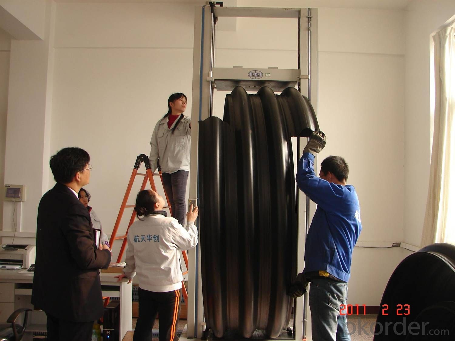 matal reinforced spirally corrugated plastic pipe