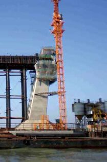 Auto-Hydraulic climbing formwork-bridge2