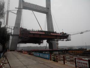 cantilever traveler for main concrete beam and box beam of approach bridge
