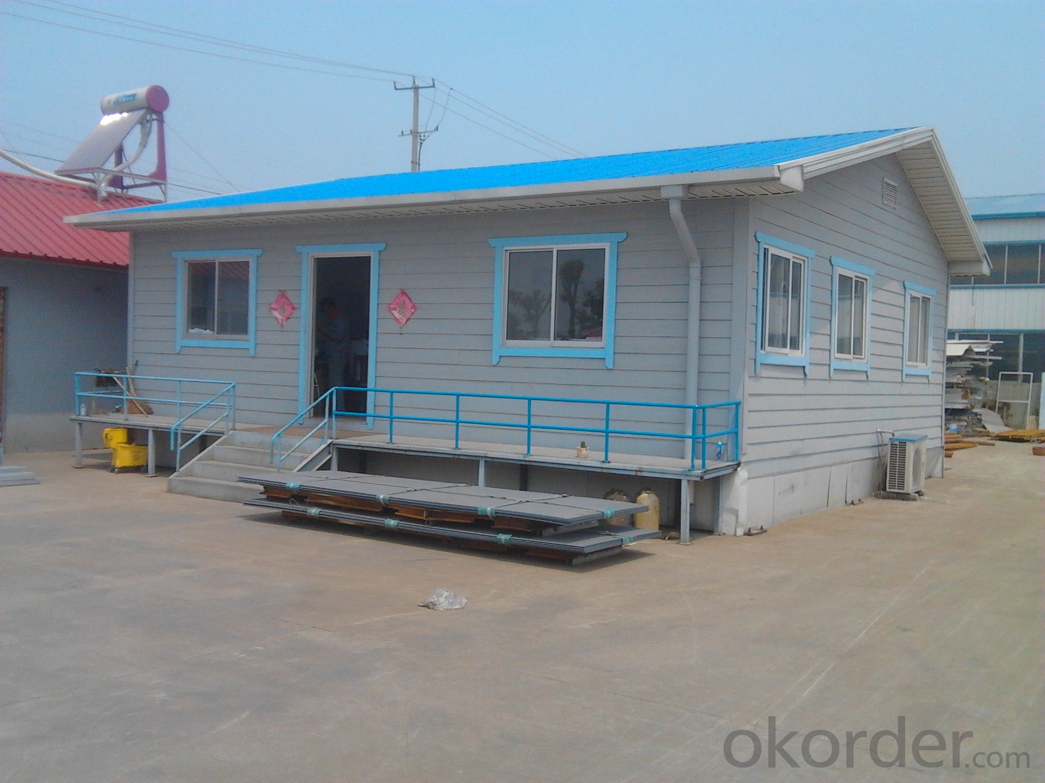 Low Cost and Easy Installed Prefabricated Sandwich Panel House