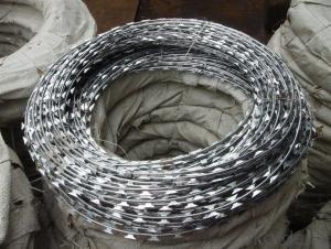 High Qaulity Galvanized Razor Barbed Iron Wire