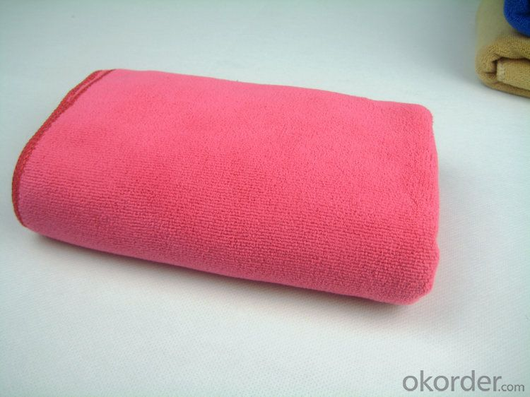 Microfiber cleaning towel for directly touching skin