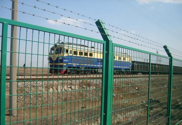 Hot Sale Wrought Welded Mesh Fence/Railway Fence