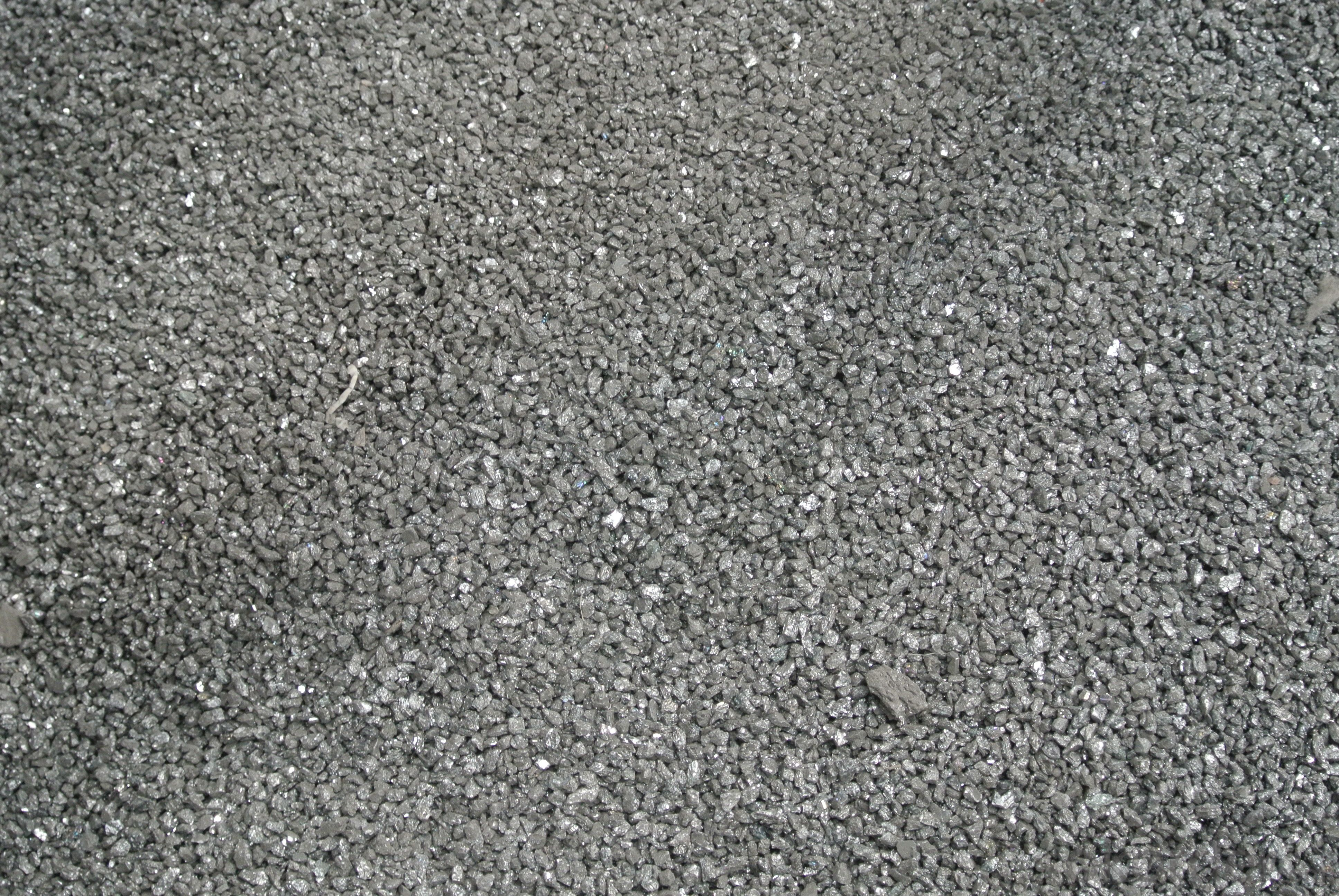 Silicon carbide bonded silicon nitride products - silicon carbide slurry