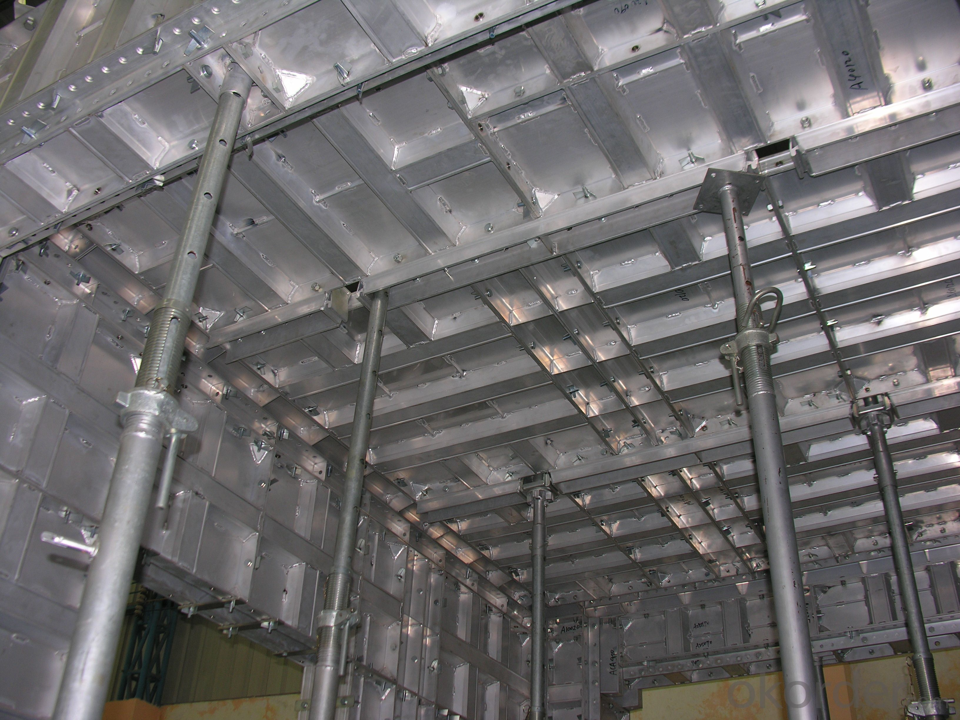 Whole Aluminum Formwork System and Scaffoldings in Building Industry