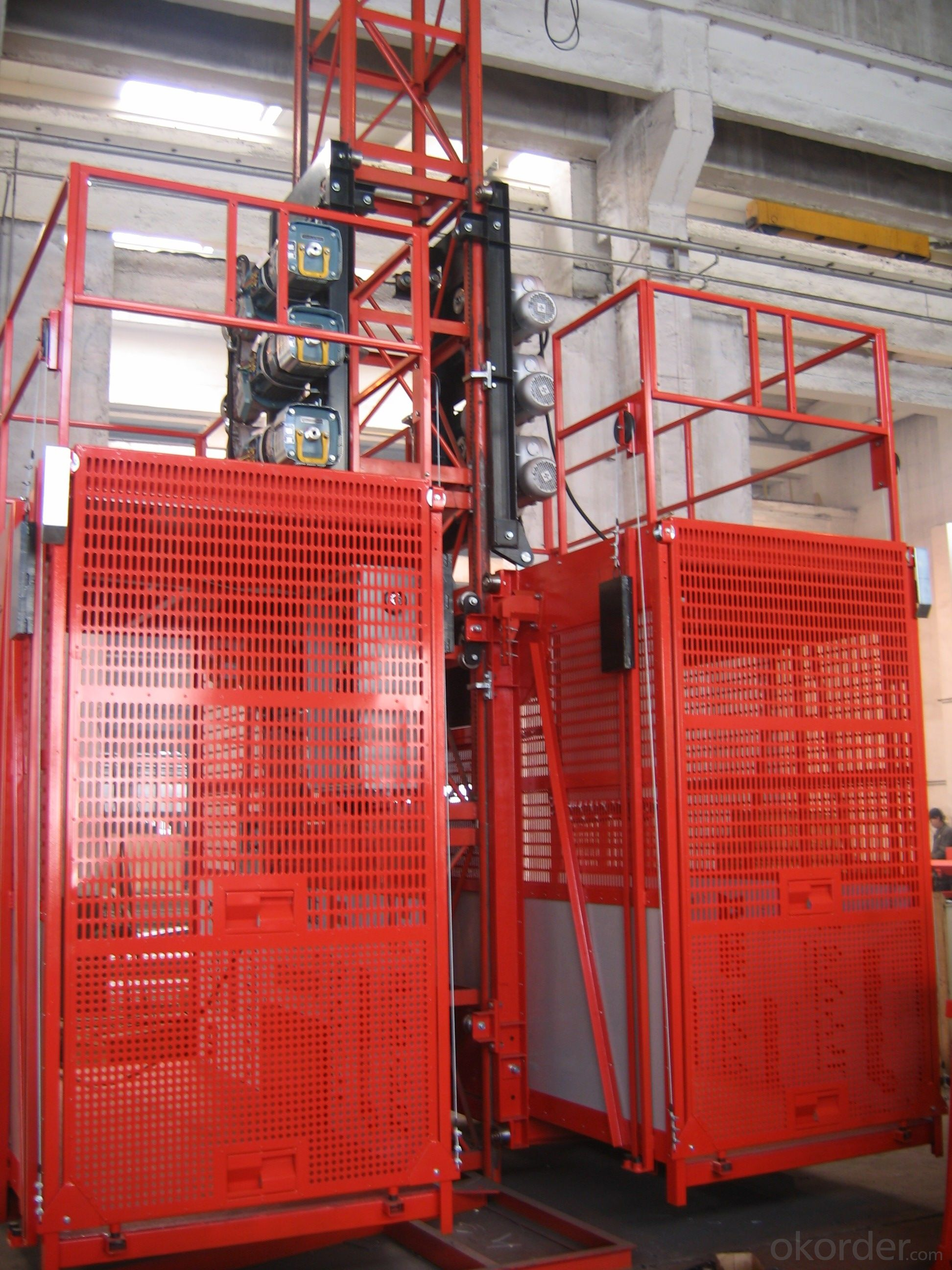 CMAX Construction Hoist SC200/200