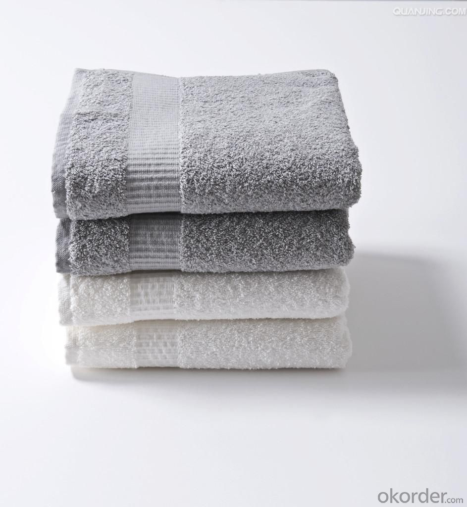 Microfiber cleaning towel with comfort touching
