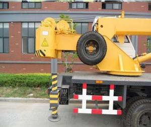 Rough Terrain Crane Wheel Truck Crane Mobile Cranes with 5 Section Telescopic Boom ISO9001