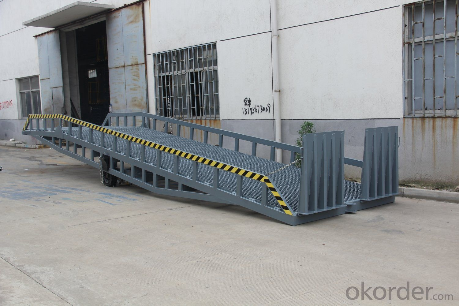 DCQY10-0.6 Slope Segment 8m Hydraulic Dock Leveler Ramps