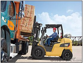 FORK TRUCK 8000-12000 LB CAPACITY INTERNAL COMBUSTION PNEUMATIC TIRE