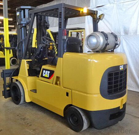 The durable 80-volt 2EPC7000-2EP11000 Series of lift trucks