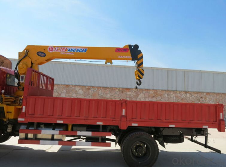 Dump Truck with crane  with capacity of 7 ton