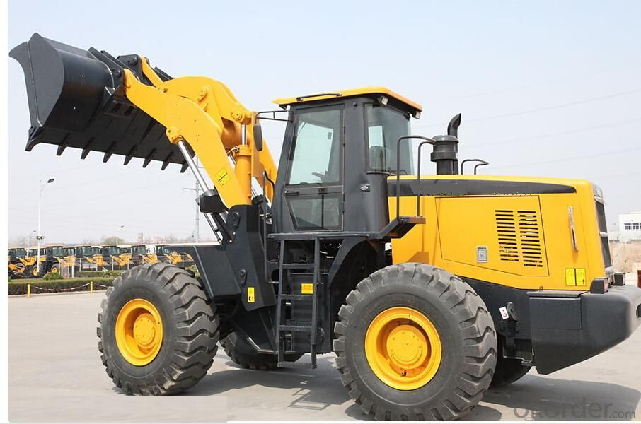 Wheel mini loader with bucket capacity  of  0.6 m3