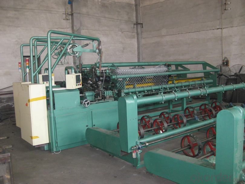 Chain Link Fence Machine Manufacturer with Single Wire Double Wire Mesh Size 50*50: