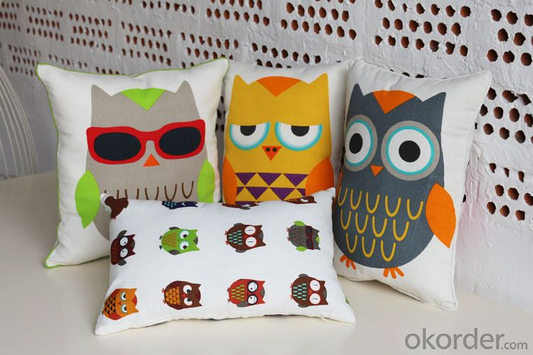 Lovely Pillow Cushion with Customed Design and Size for Decoration