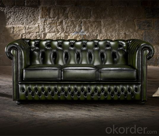 Ellington Chesterfield Sofa Used in Living Room