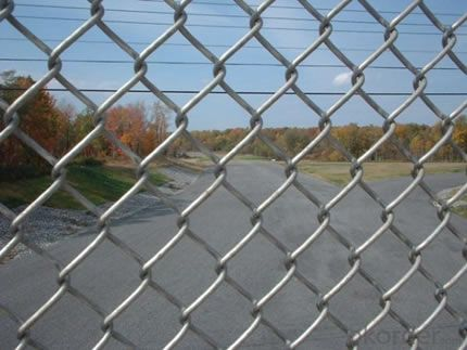 China Hot Dipped Galvanized Chain Link Fence