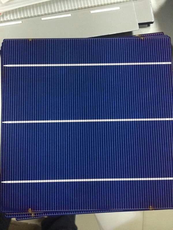 Célula solar monocristalina fabricada en China y a bajo precio