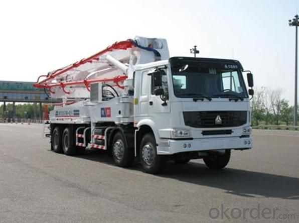 Concrete Pump Truck 37m Work Range  Boom Pump