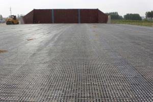 Fiberglass Geogrid Coated with Bitumen in Black