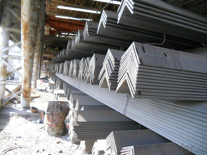 2015 Hot Rolled Angle Steel in Construction