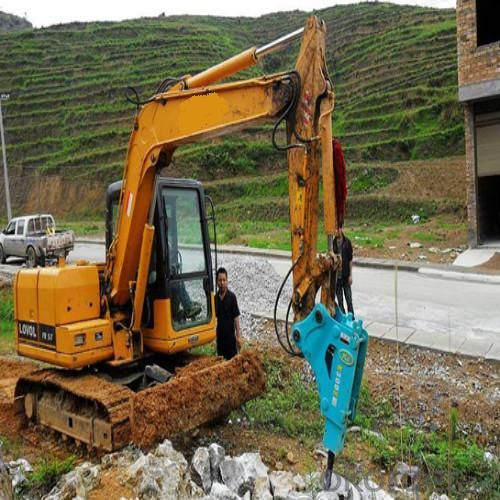 Breaker Chisel Machine  for Demolishing Jobs