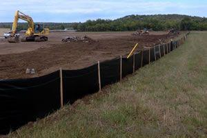Silt Fence with Wooden Stake/Woven Fabric