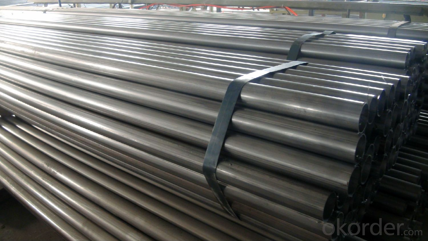 API Galvanized Stainless Steel Pipe With 2 Plastic Pipe Caps