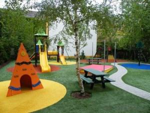 Economic Artificial Kindergarten Grass Without Heavy Metals
