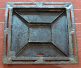Ductile Iron Manhole Cover with Different Gratings and Colors