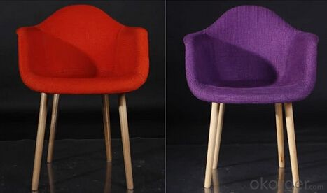 Wooden and Fabric Eames Chair, Simple Design with Leisure Elements