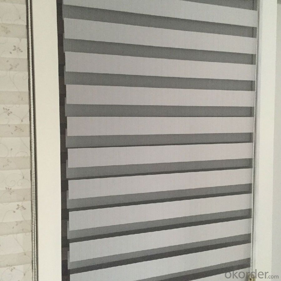 indoor roller blind with 100% blackout and total sunproof effect