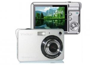 Digital Camera 15MP with 2.7 TFT Screen 3X Optical Zoom and Black and Silver in Stock