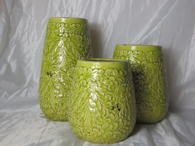 Hot Selling Fashion Home Décor Ceramic Light Green Chrysanthemum Pattern Flower Vase L
