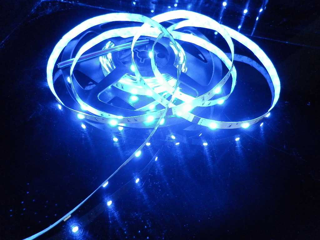 LED Strip Light Flexible strip light/ SMD3528 30LEDs/m/ ALL Colors/RGB/ Dimmable/NON-Waterproof