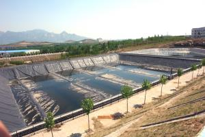 Landfill Geomembrane with Smooth Surface