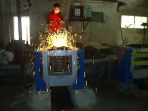 Steel sheel with double crucible induction melting furnace