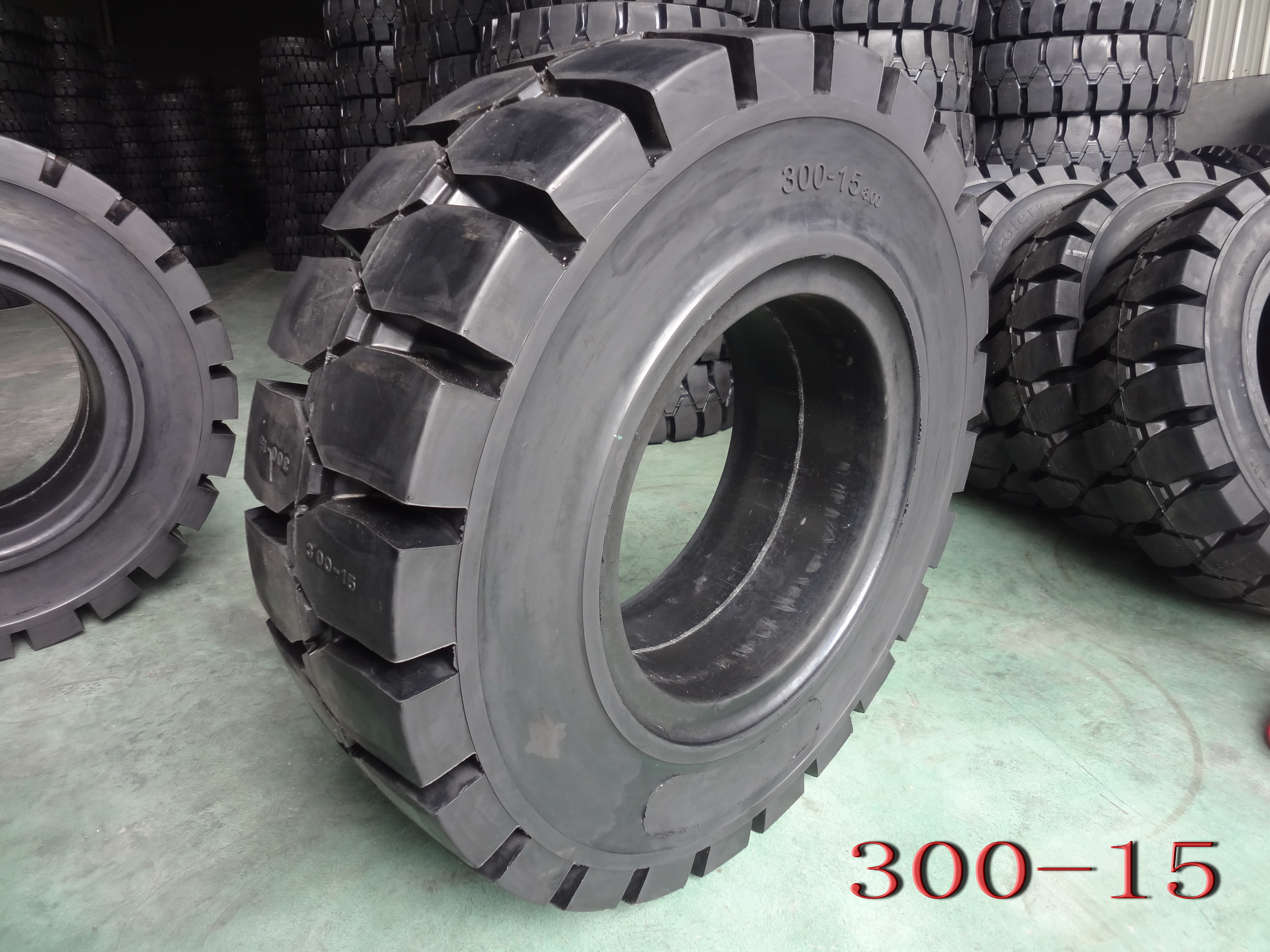 Forklift Solid Tyre-300-15