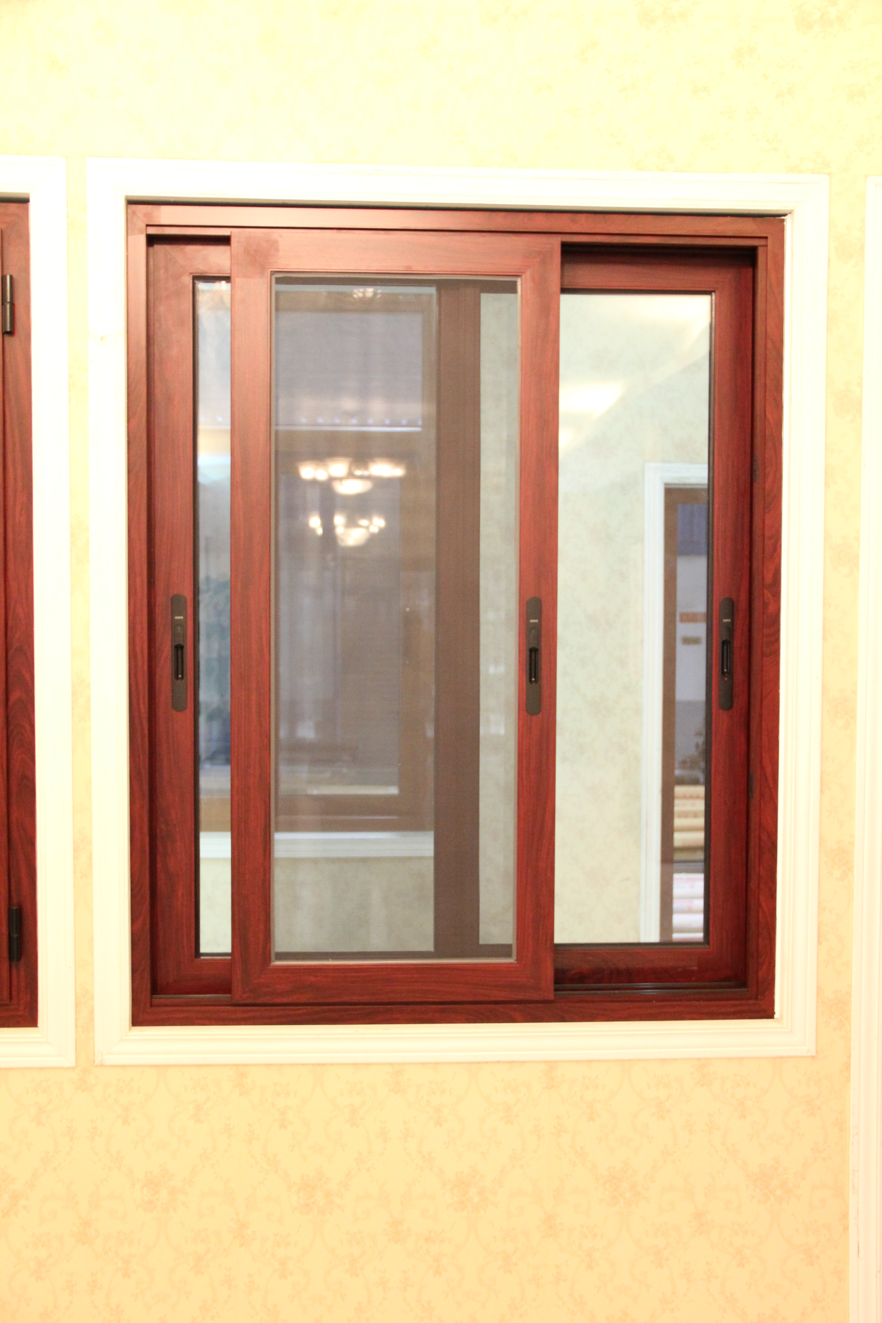 Buy Guangxi Factoty Produce Aluminum Frame Sliding Window