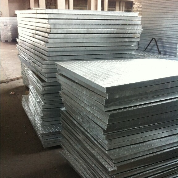 Composite steel grating