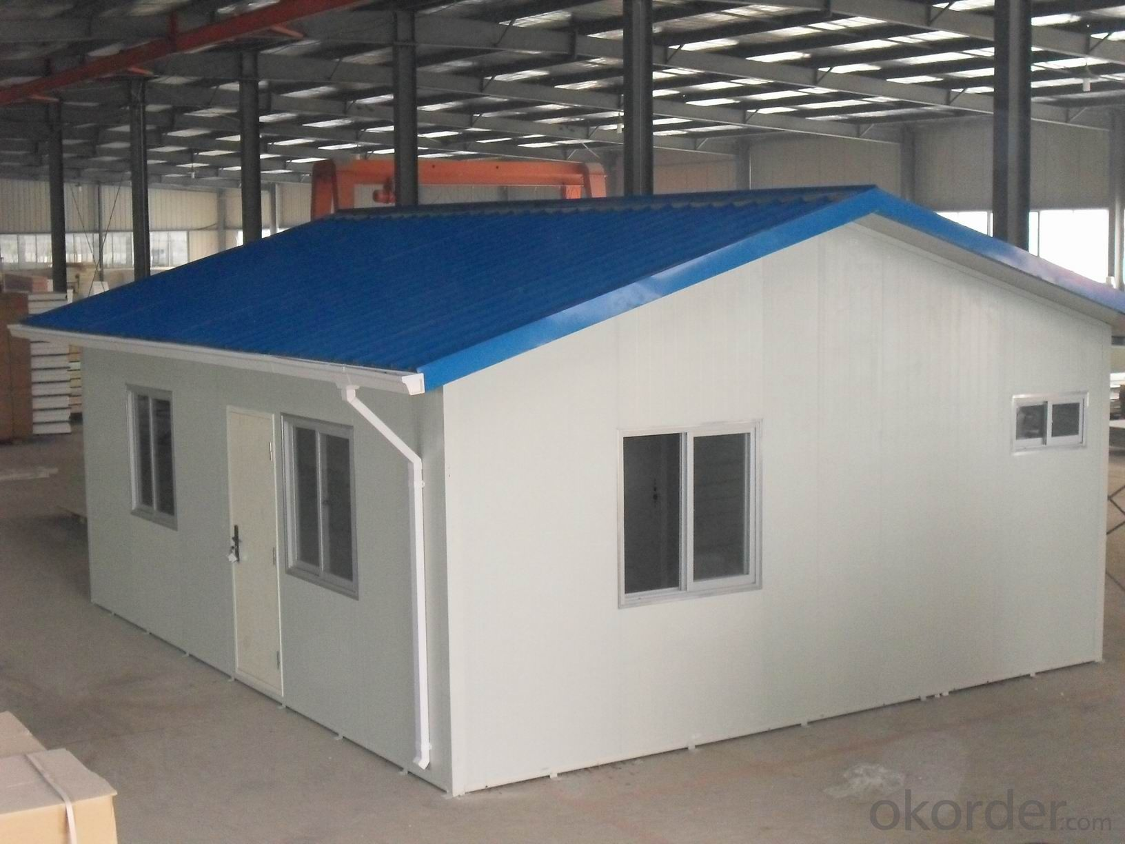 Prefabricated Sandwich Panel House with Modern Design