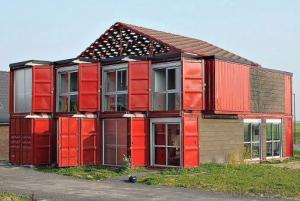 Double prefabricated shipping containers housing, low-cost resorts