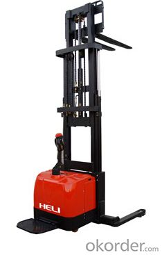Triplex Masts Wide Leg Electric Stacker 1.6T