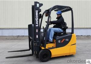FORKLIFT CLG2015A-T,Wide angle rearview mirror for good visibility.